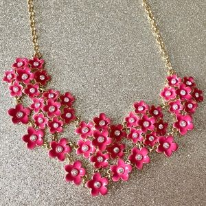 LIZ CLAIBORNE BEAUTIFUL RED FLOWERED NECKLACE